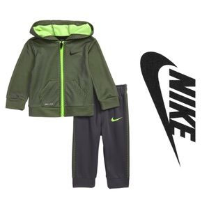 Nike Full-Zip Hoodie & Sweatpants Set